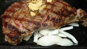 いきなりステーキの肉マイレージカード!ゴールドランクなら年1回ステーキが無料!
